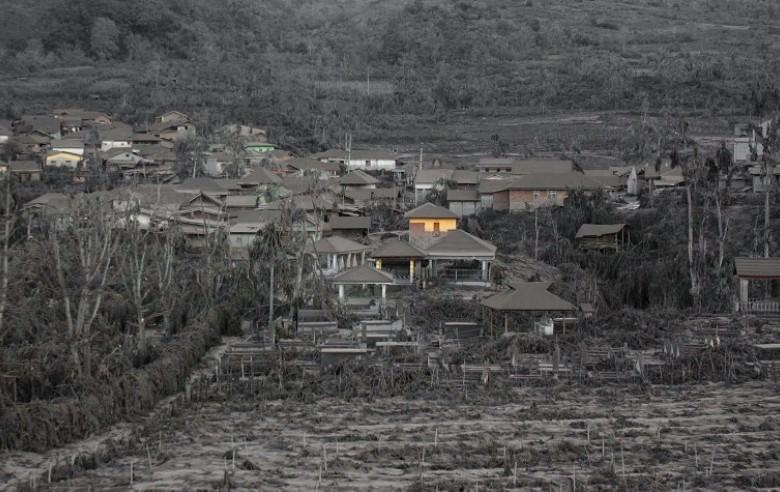 volcan sinabung-casas